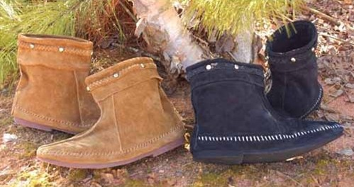 Suede Viking Boots, ankle-high suede boots in black or brown