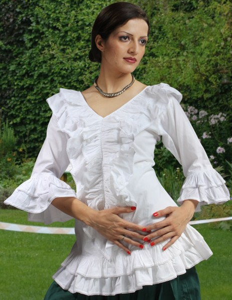 Ruffled blouse in white cotton