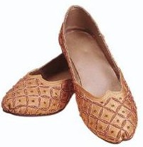Divit-Toed Slipper in bronze satin with embroidered beading